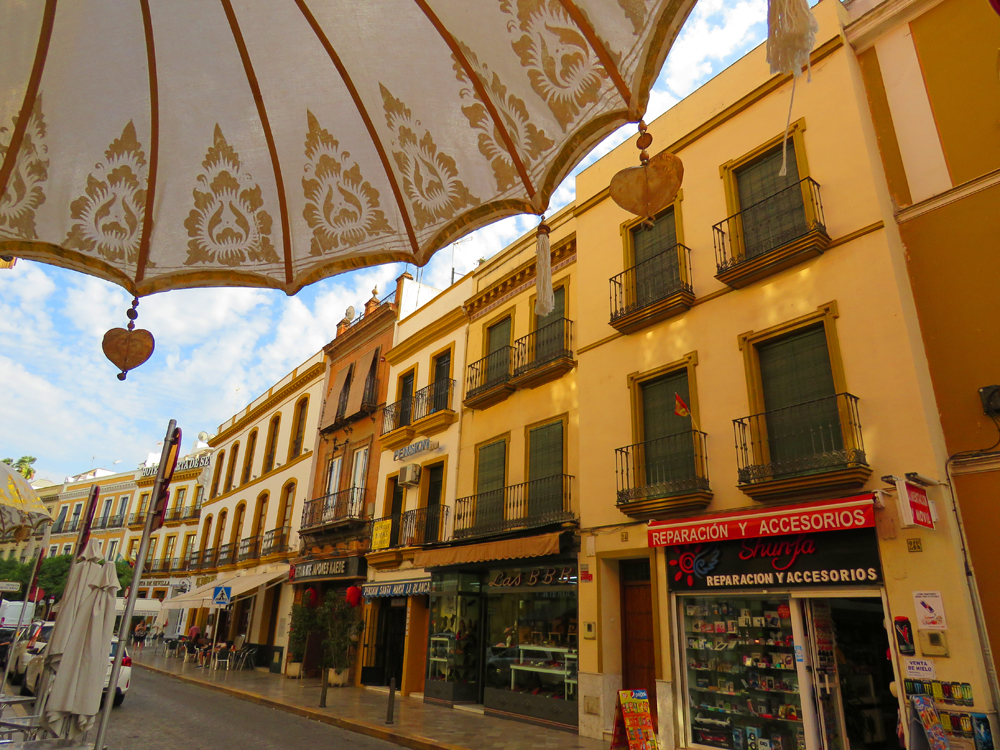 images of the streets of Sevilla