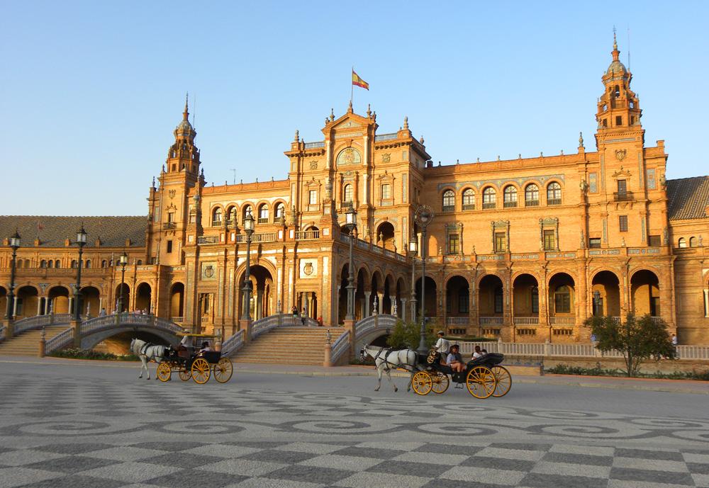 Plaza de España – one of Seville's highlights