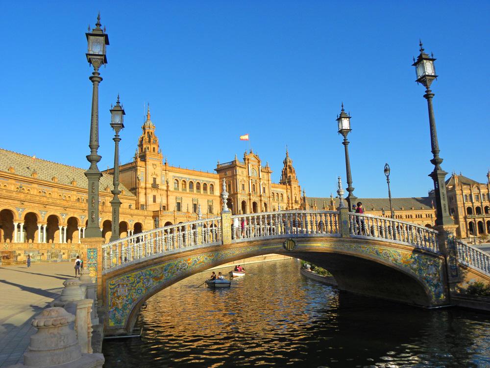 bridges at Plaza de España